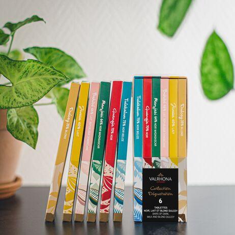 valrhona.com-Schachtel mit Schokoladenriegeln und -stäbchen