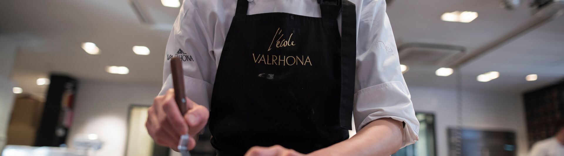 Valrhona.com-live-long-gastronomie-accompanying-customers