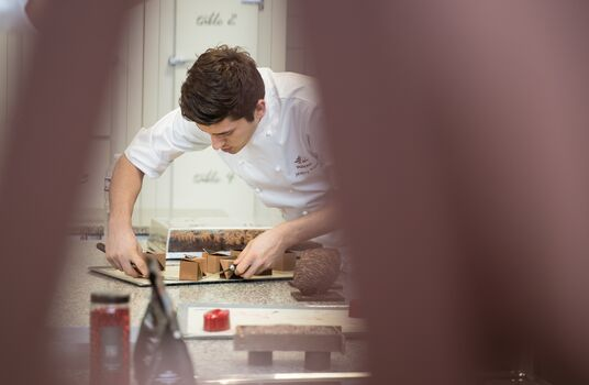 valrhona.com-home-services-essentiels