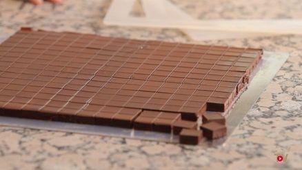 Guanaja-Ganache als Füllung für Schokoladenpralinen im Ganache-Rahmen