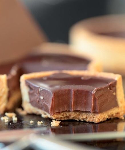 EXTRAORDINARILY CHOCOLATY TART