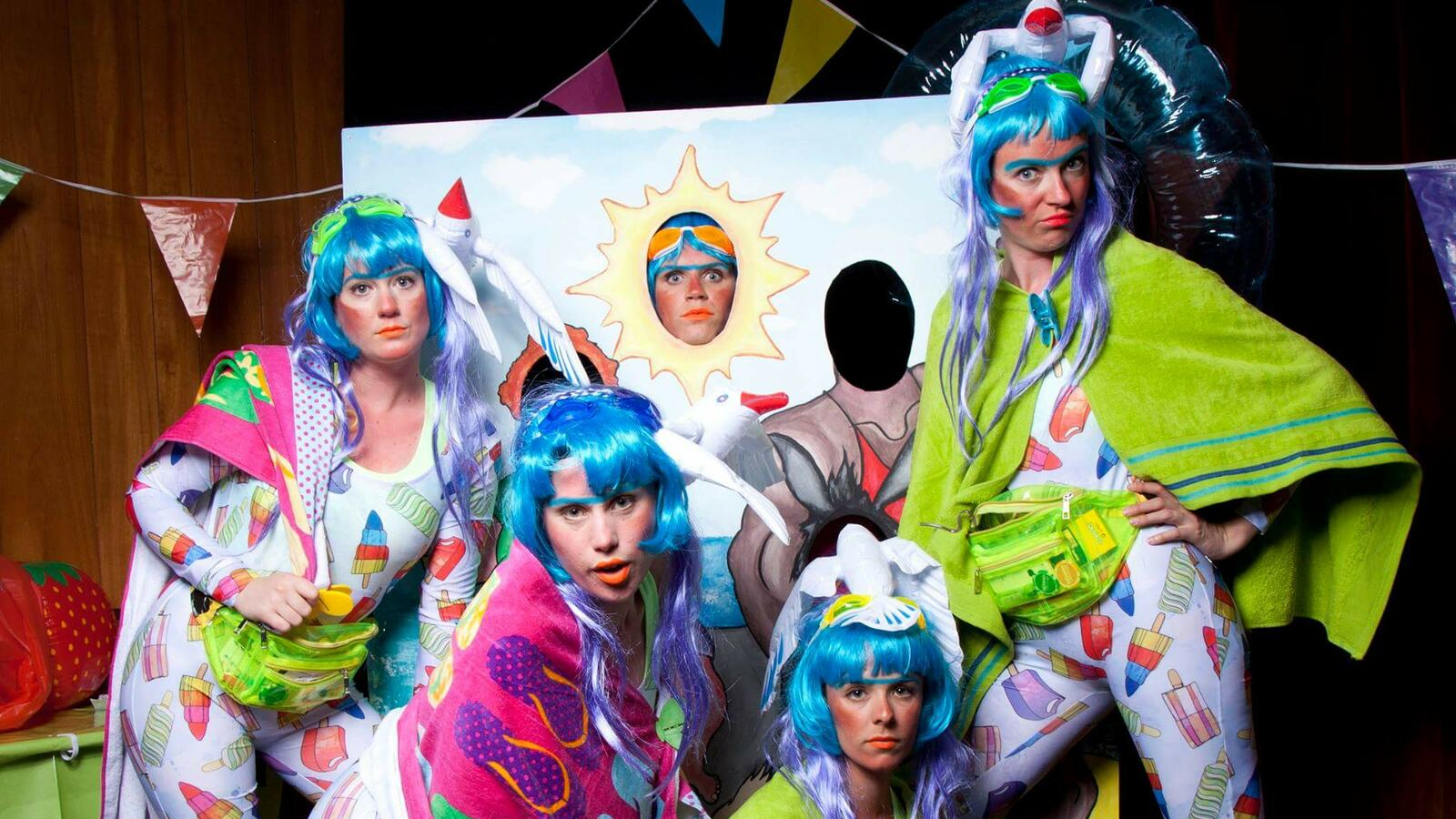 Cosmic Currents with Figs in Wigs and Friends
