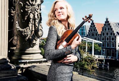 Simone Lamsma, violinist