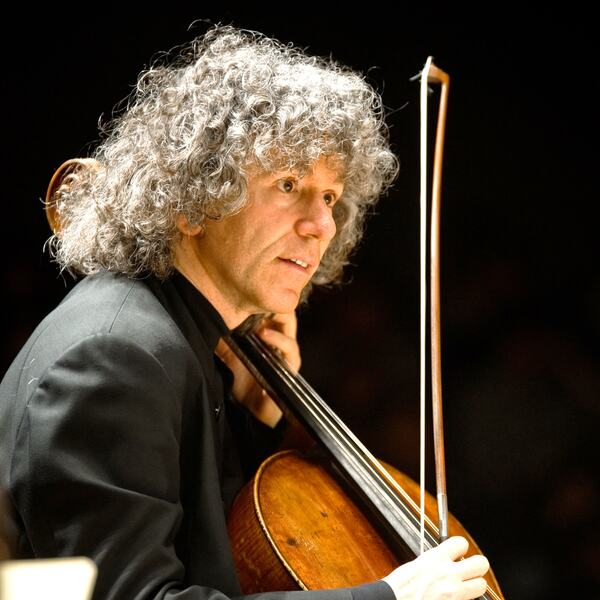 Steven Isserlis playing the cello
