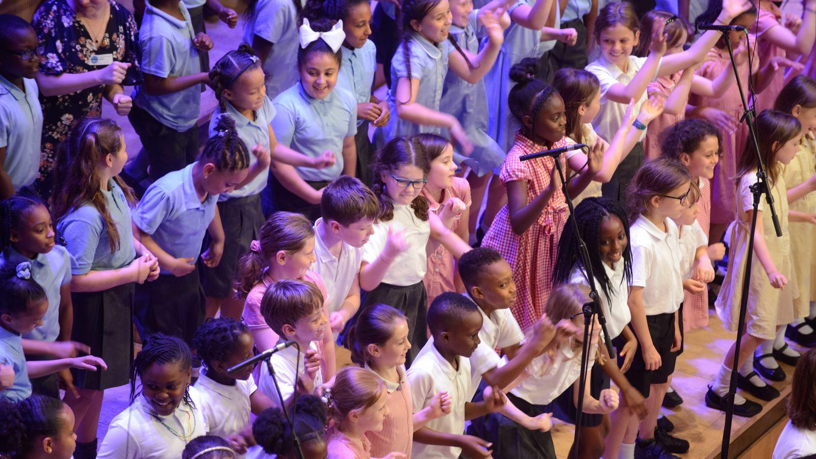 Turning of the Year, schoolchildren in a choir