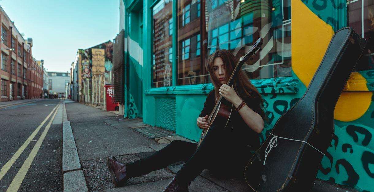 Friday Lunch: Gwenifer Raymond, musician