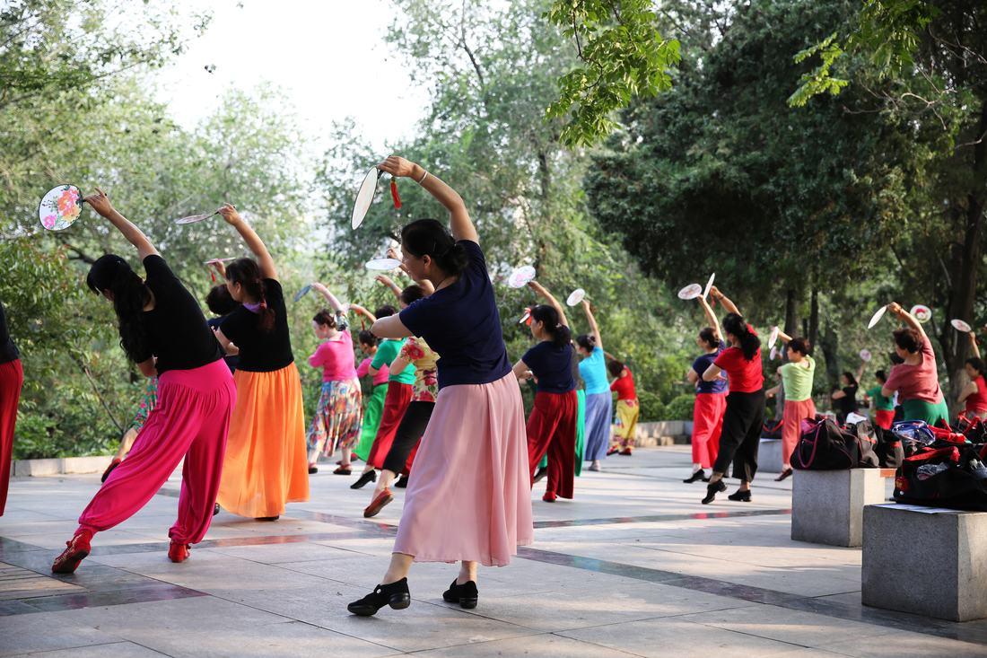 071017_China Changing_Square Dancing Performance: How do you guangchang wu?