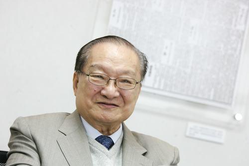 Jin Yong, novelist and essayist