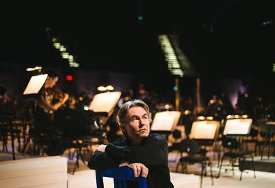 HSKU 20140818 Esa-Pekka Salonen Helsingin musiikkitalolla. Kuva: Benjamin Suomela HS