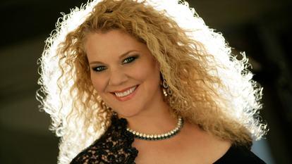 Mezzo soprano Michelle DeYoung