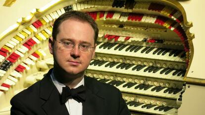 Richard Hills, organist