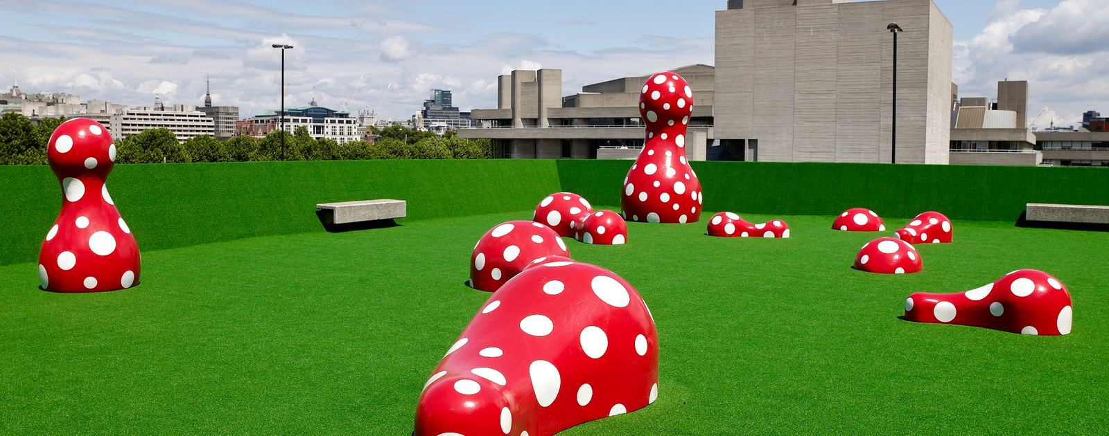 Yayoi Kusama  Guidepost to a New World, 2004 © Yayoi Kusama 2009 Photo: Roger Wooldridge Courtesy: Hayward Gallery, 2009