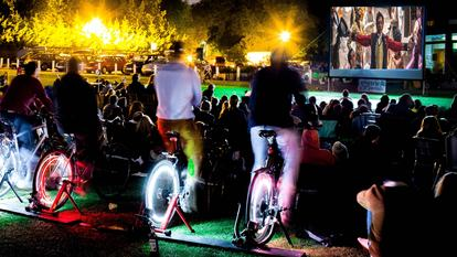 Bicycle-powered cinema - The Greatest Showman