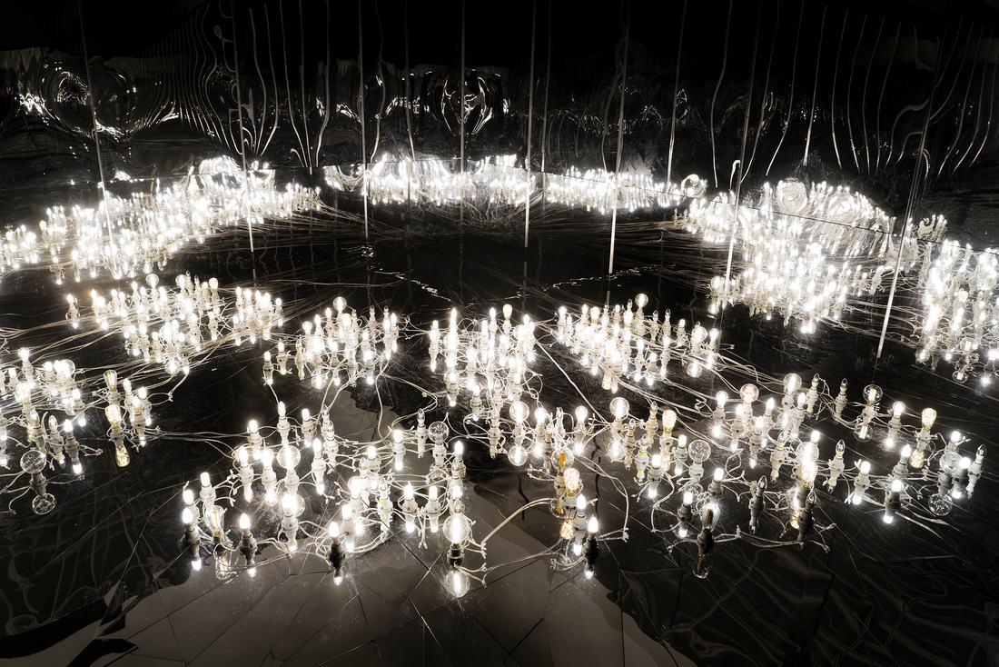 Lee Bul Installation view of Civitas Solis II, 2014 (002_LeeBul_CivitasSolisII_2014_MMCA)