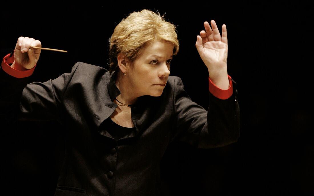 Marin Alsop conducting at the Southbank Centre