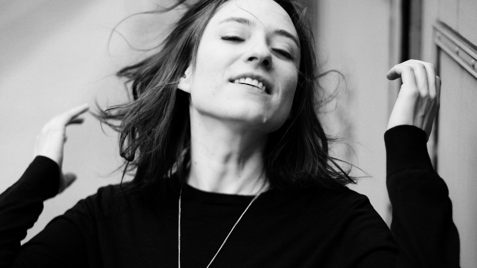 Lucia Cadotsch, singer