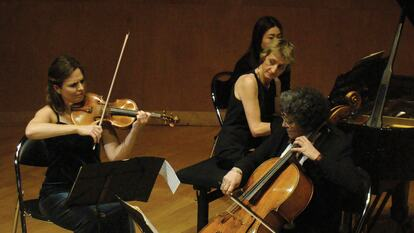 ArsLonga Piano Trio performing on stage