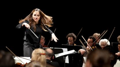 Joana Carneiro, conductor