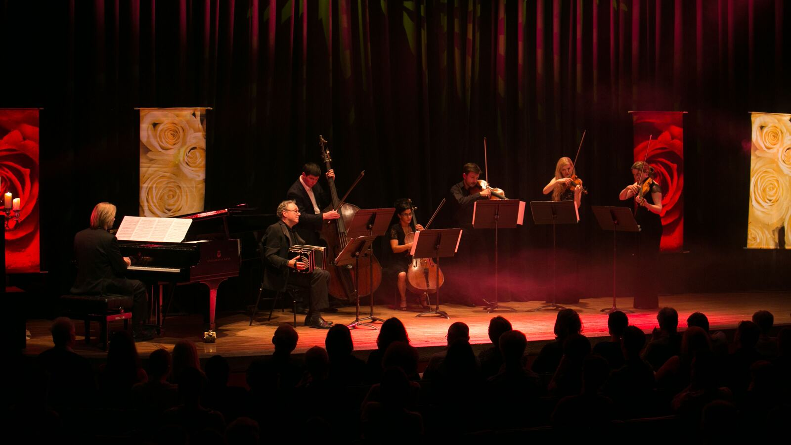 Tangos for Angels and Demons, Musicians on stage