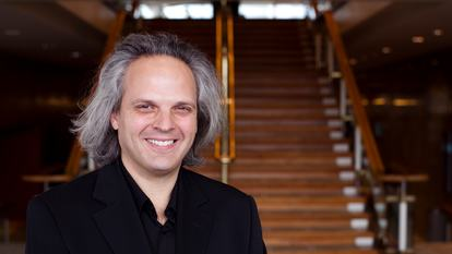 Adrian Varela and Philharmonia Chamber Players play Bach, Stravinsky, Piazzolla