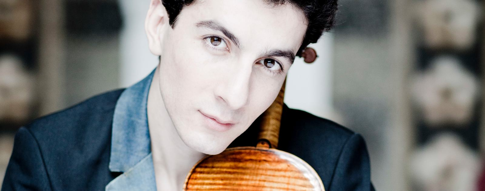 Sergey Khachatryan.Violin.Photo: Marco Borggreve