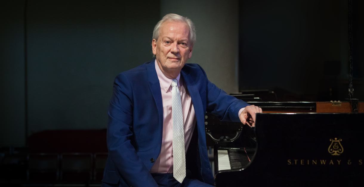 Howard Shelley, pianist and conductor