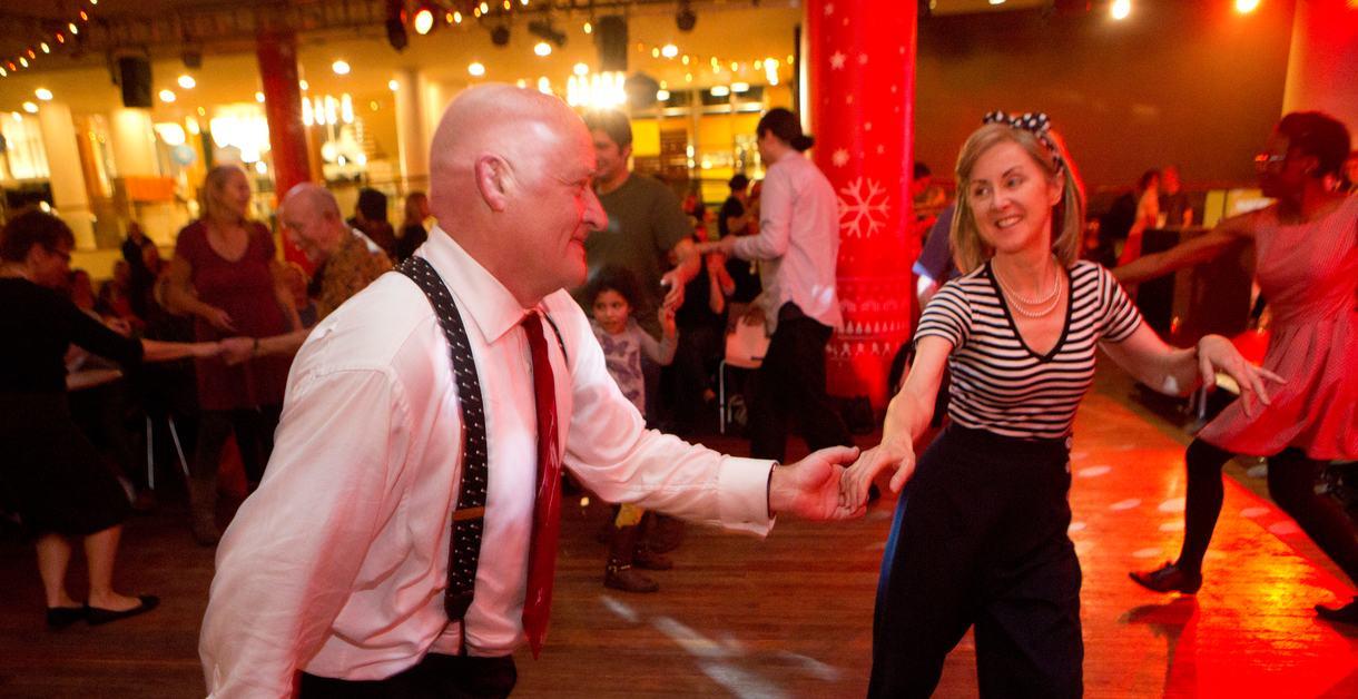 Five Go Jiving, pair dancing