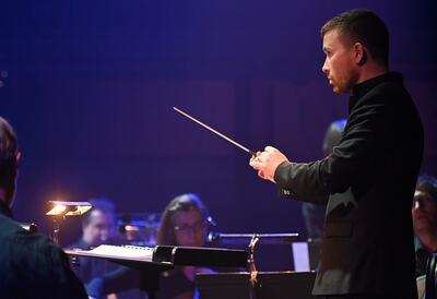 Conductor with London SInfonietta