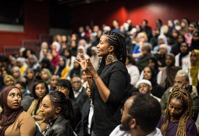 Somali Women Poets, audience at a talk
