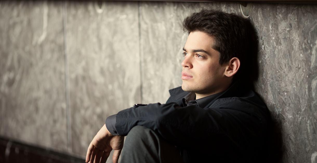 Lahav Shahani.Conductor-pianist.Photo: Marco Borggreve