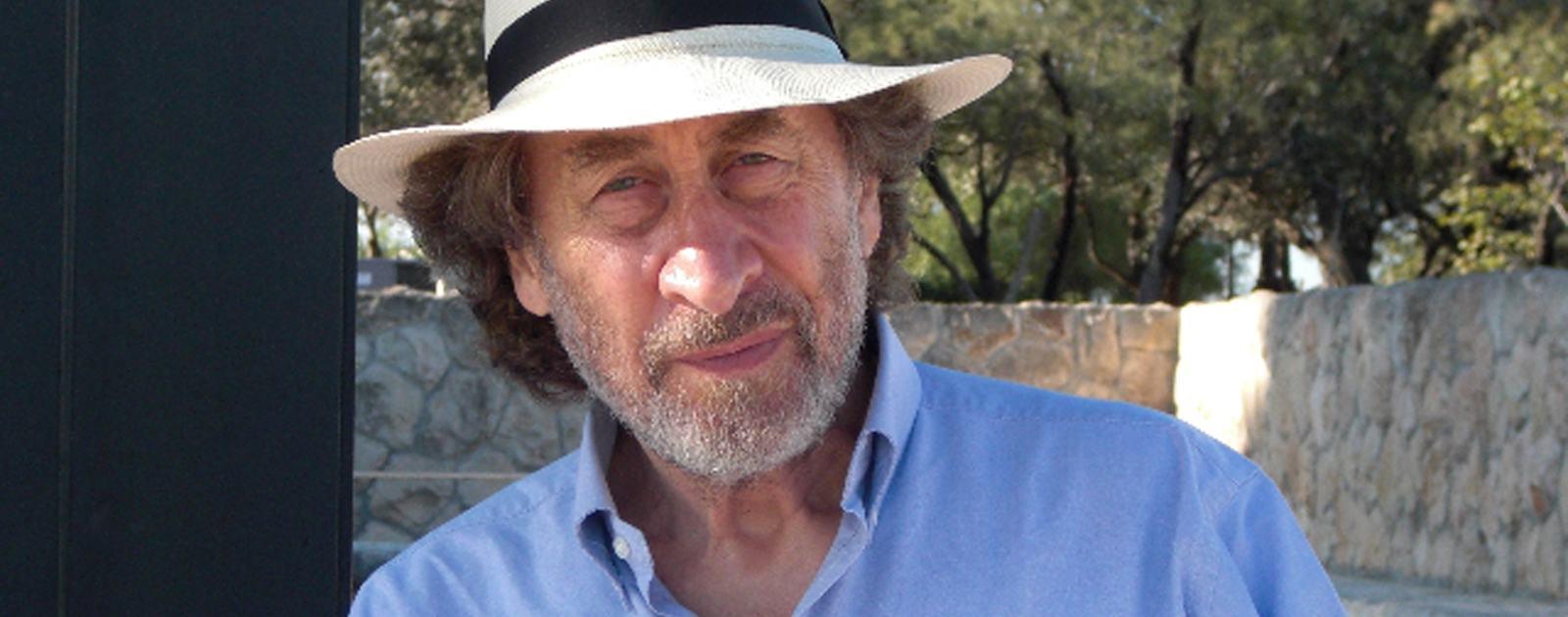 Howard Jacobson headshot