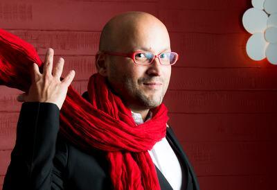 Enrique Mazzola, conductor