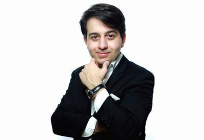 Luka Okros, pianist
