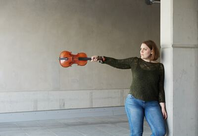 Julia Kuhn, violin