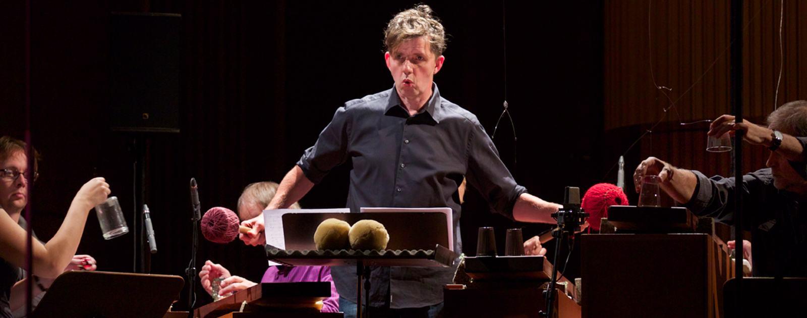 Das Ensemble Musikfabrik spielt Kompositionen von Simon Steen-Andersen, Caspar Johannes Walter, Klaus Lang und Carola Bauckholt auf Instrumenten von Harry Partch / 11.10.2015 / WDR / Koeln