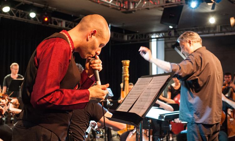 MajiKer beatboxes as part of Anna Meredith's Concerto for Beatboxer and Orchestra