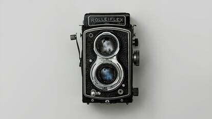 Analogue antique camera