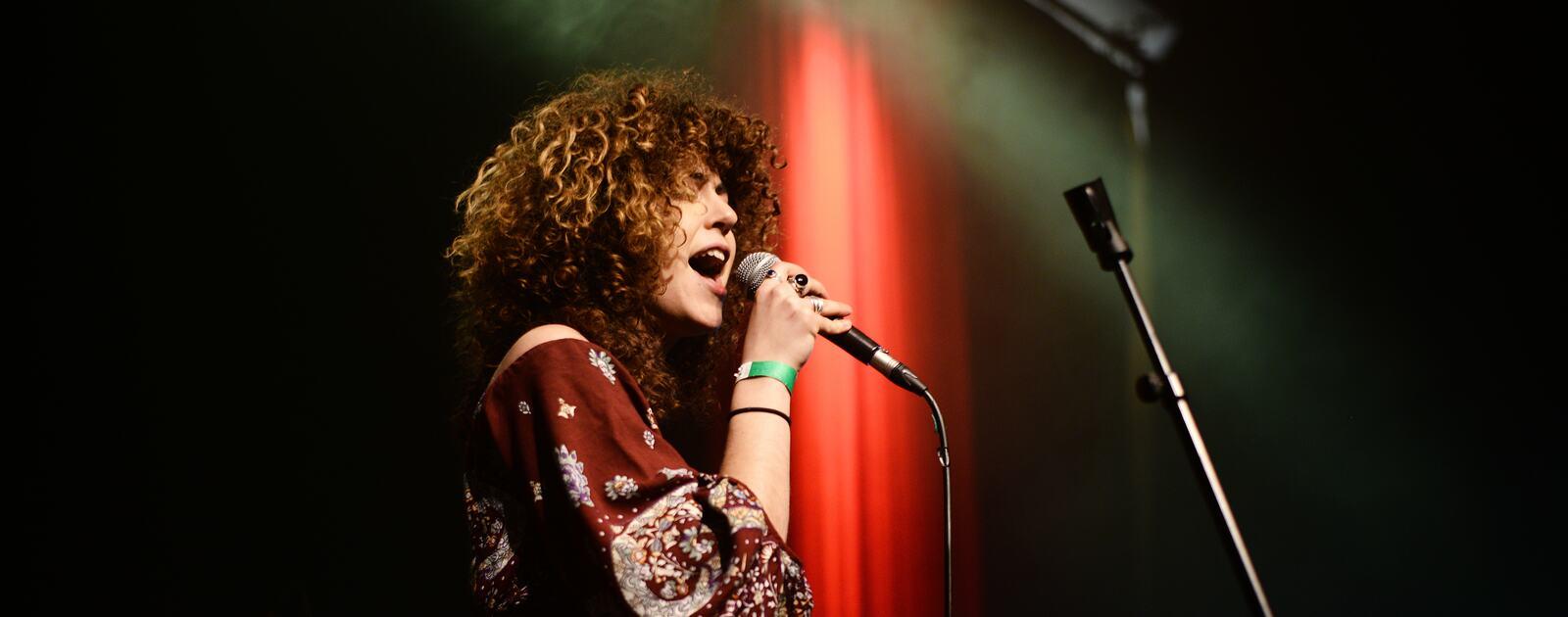 Clara Serra López, singer