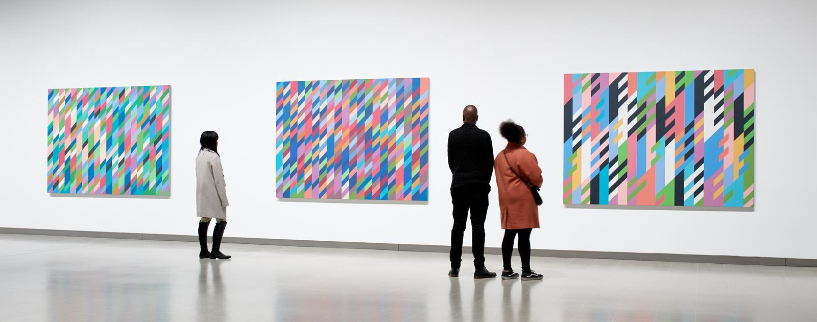 Installation view of Bridget Riley at Hayward Gallery 2019 © Bridget Riley 2019 Photo Stephen White & Co.