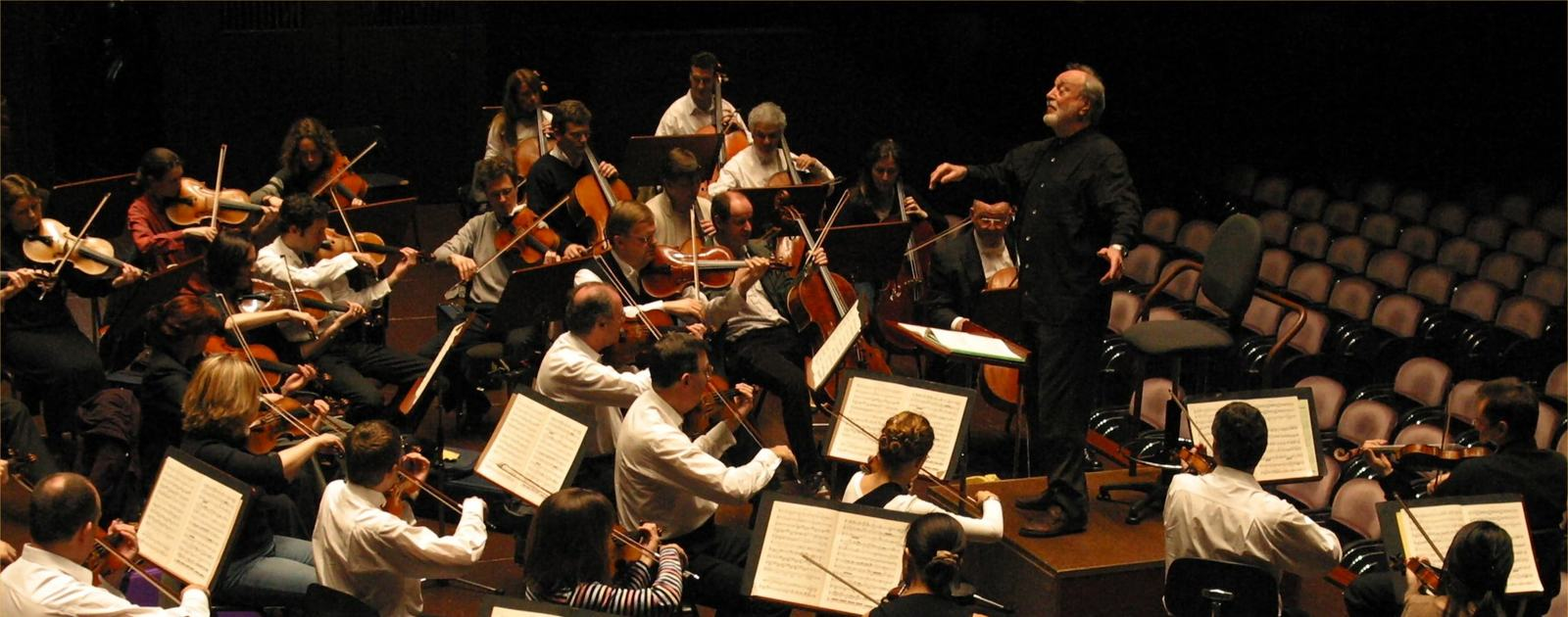 Kurt Masur conducts the London Philharmonic Orchestra on tour in Germany