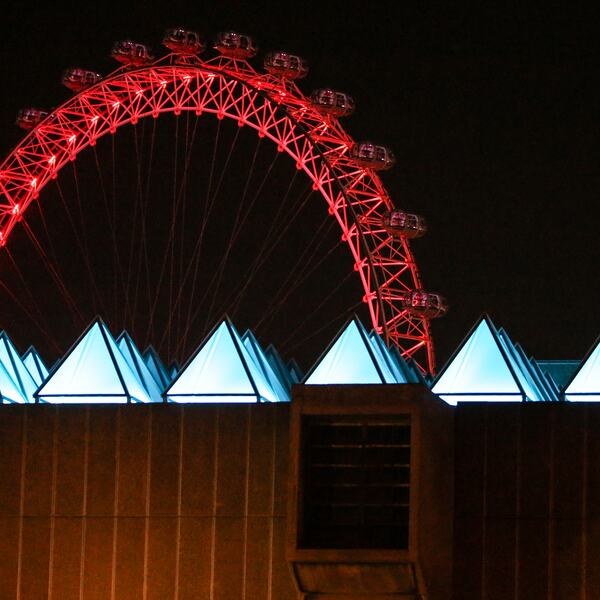 David Batchelor: Sixty Minute Spectrum lights up the roof of Hayward Gallery