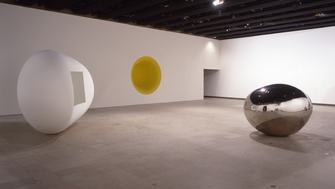 An installation view of Anish Kapoor's 1998 Hayward Gallery exhibition