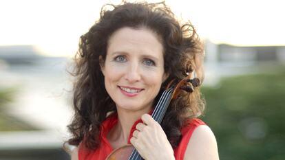 Madeleine Mitchell, soloist