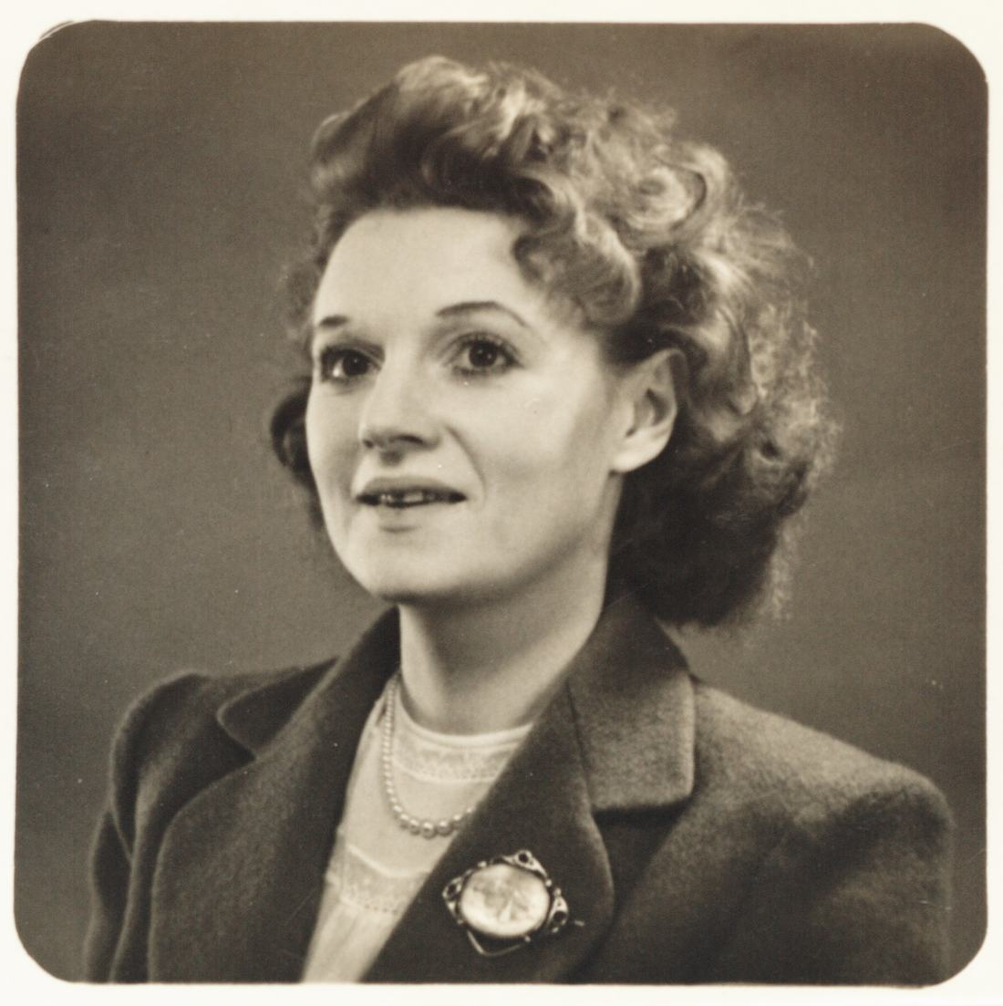 Muriel Spark - passport photo from 1947, courtesy of Muriel Spark 100/National Library of Scotland