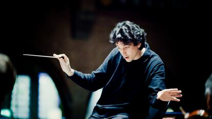 Michael Sanderling, conductor