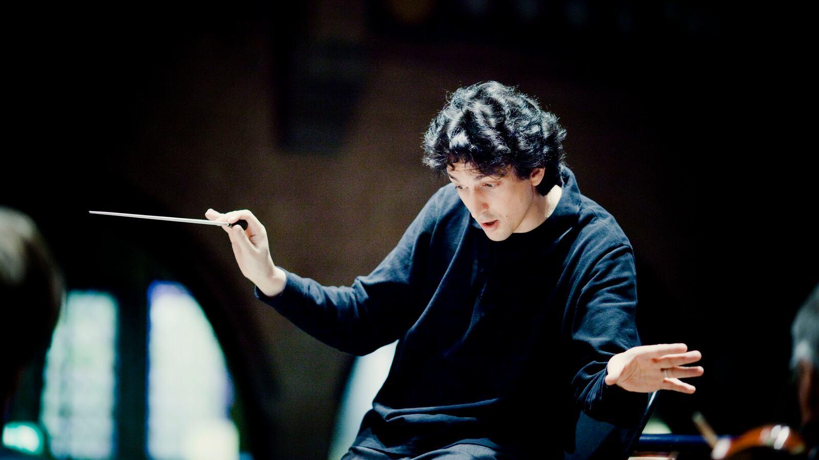 Michael Sanderling, conductor