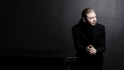 Denis Kozukhin 2016.Pianist.Photo: Marco Borggreve