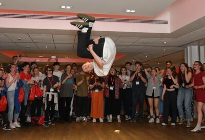 U Dance: Pop Ups, breakdancing performer