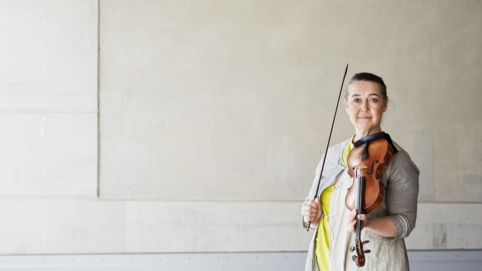 Margaret Faultless, leader, violin