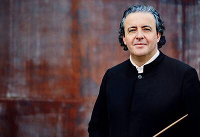 Juanjo Mena, conductor